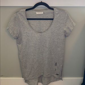 Vici Distressed high low T-shirt size small